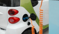 The arrival on the automotive market of electric vehicles, expected in 2012-2013, has been strongly supported by many governments. The hopes placed by manufacturers and the public authorities still leaves open the issue of charging infrastructure, essential to the successful marketing of these cars